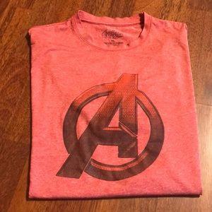 Marvel Avengers Men's T-Shirt. Size X